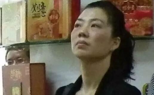 中山市委原秘书长落马 他的女下属曾被批权色交易.jpg